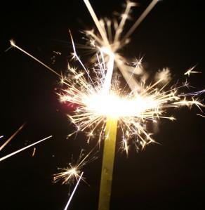 sparkler-143025_1920